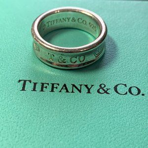 Tiffany and Co 1837 Medium Band Ring in Silver